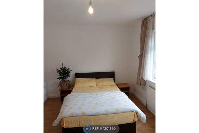 6 bed terraced house to rent in Avondale Road, London N15