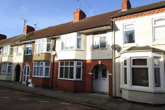 3 bed property to rent in Euston Road, Northampton