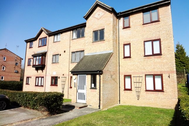 Thumbnail Flat to rent in Moorymead Close, Watton At Stone