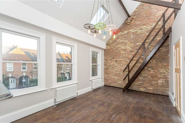 Thumbnail Maisonette for sale in Hibbert Road, Walthamstow, London