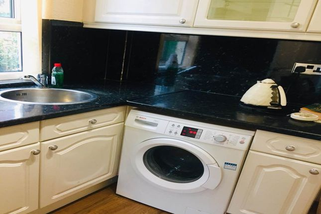 Kitchen of Villiers Drive, Sheffield S2