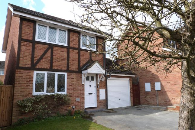 Thumbnail Detached house to rent in Tippits Mead, Bracknell, Berkshire