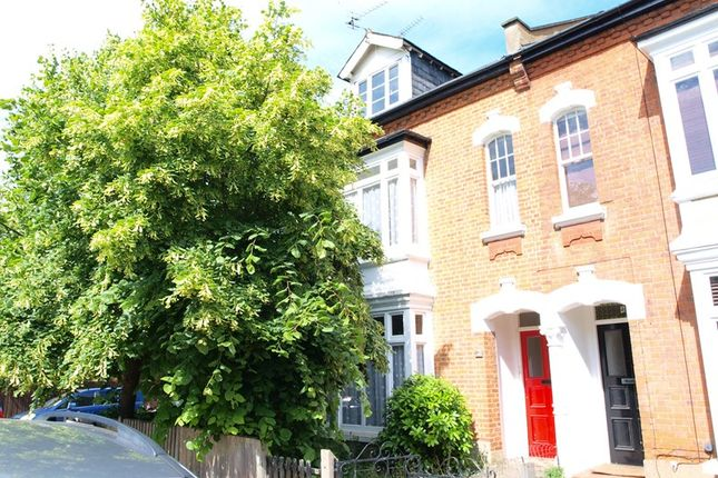 4 bed property for sale in Fyfield Road, Enfield