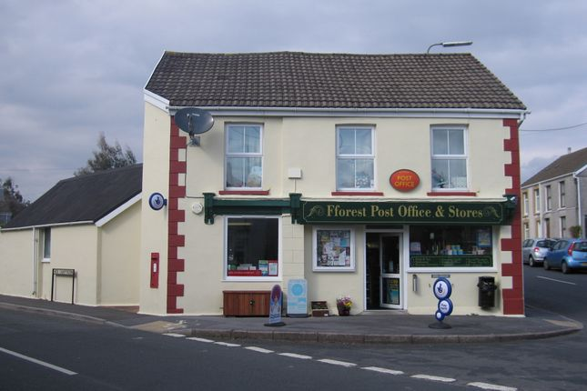 Thumbnail Retail premises for sale in 2 Carmarthen Road, Fforest, Carmarthenshire
