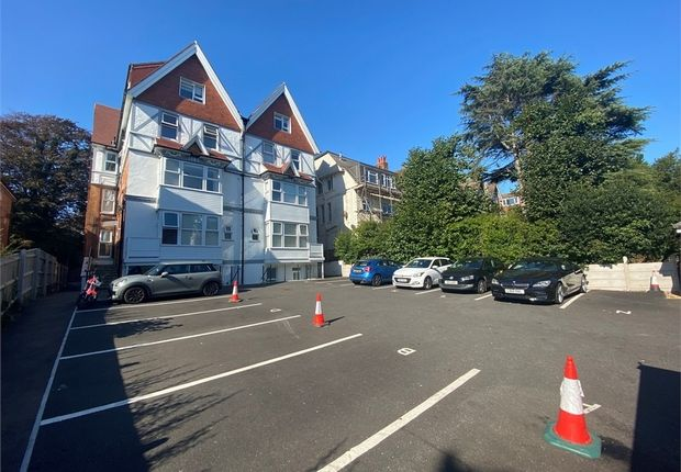 Thumbnail Flat to rent in 434-436 Christchurch Road, Bournemouth, Dorset