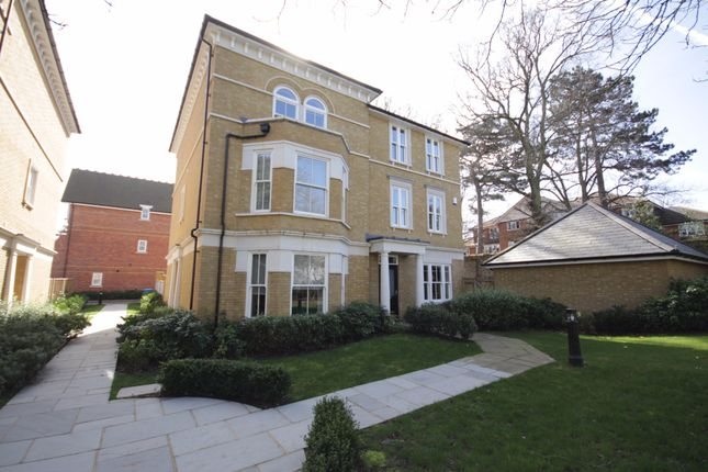 4 bed semi-detached house to rent in Folly Hill Gardens, Maidenhead