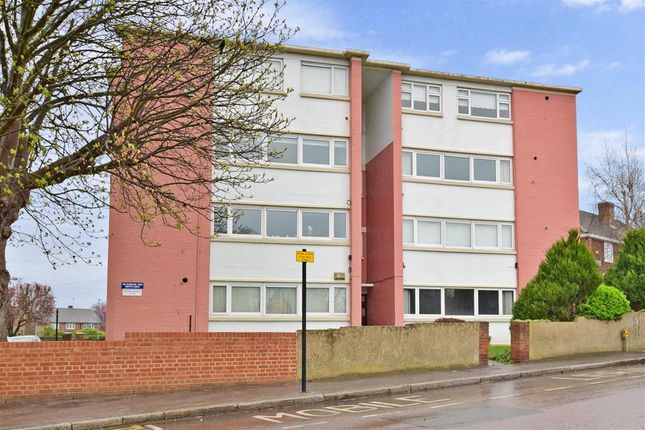 Thumbnail Flat for sale in Cross Road, Woodford Green, Essex