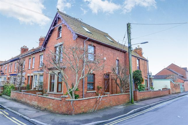 Thumbnail Semi-detached house for sale in Norbins Road, Glastonbury