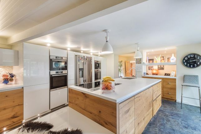 Thumbnail Detached house for sale in Hyde Street, Upper Beeding, Steyning