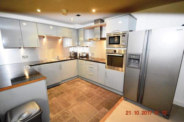 Thumbnail Flat to rent in Station Road, Wilmslow
