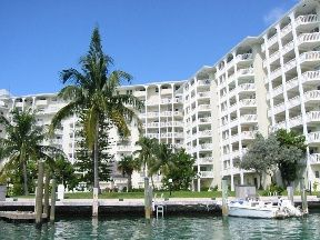Apartment for sale in #508 Harbour House Towers, Grand Bahama, The Bahamas