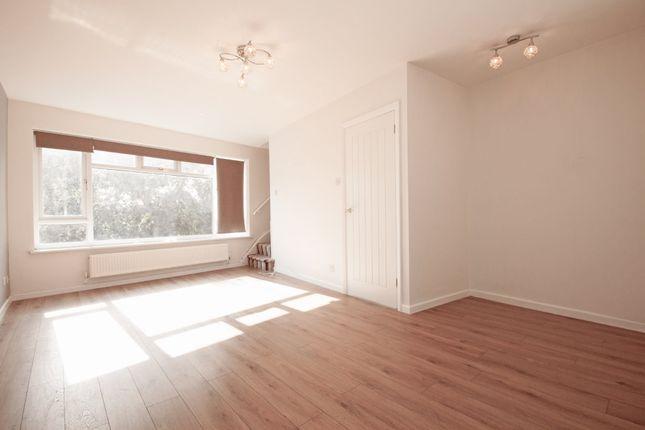 Thumbnail Maisonette to rent in Great North Road, New Barnet, Barnet