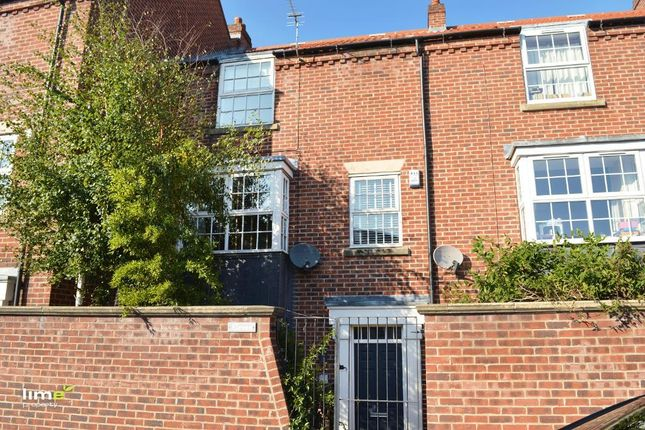 Thumbnail Town house to rent in Waterside Road, Beverley