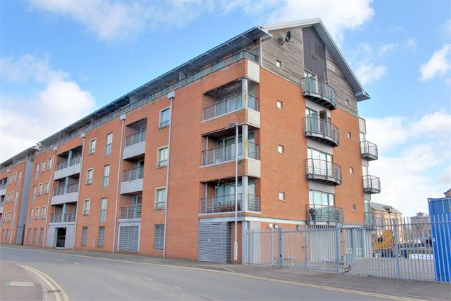 Thumbnail Flat for sale in South Point, Severn Road, Gloucester
