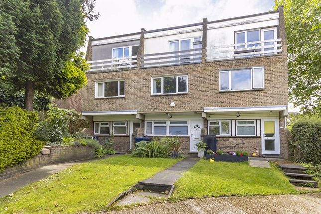 Thumbnail Property to rent in Mount Close, Mount Avenue, London