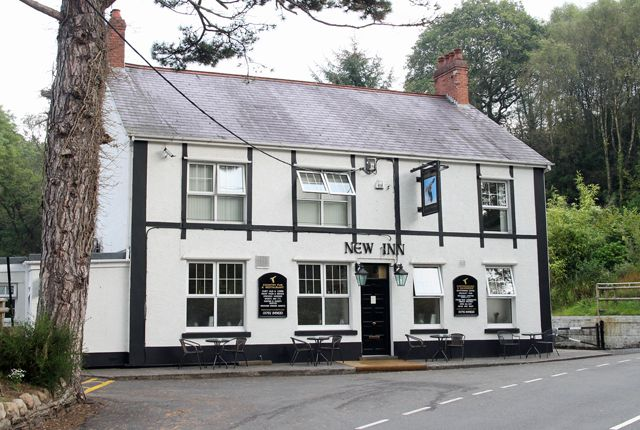 Thumbnail Pub/bar for sale in Clydach, Swansea