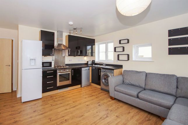 2 bed flat for sale in Arnold Road, Mangotsfield, Bristol