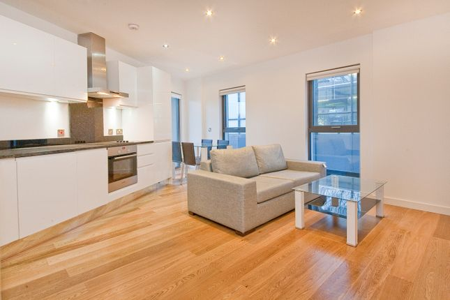 Flat to rent in Salter Street, London