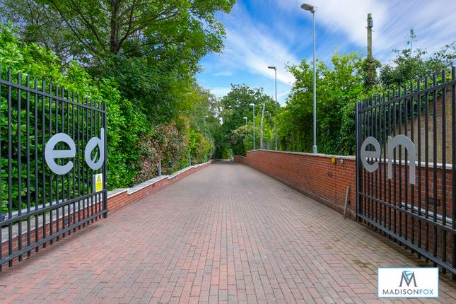 Thumbnail Flat to rent in Eden Avenue, Chigwell