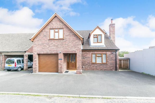 Thumbnail Detached house for sale in Queens Close, Sudbury