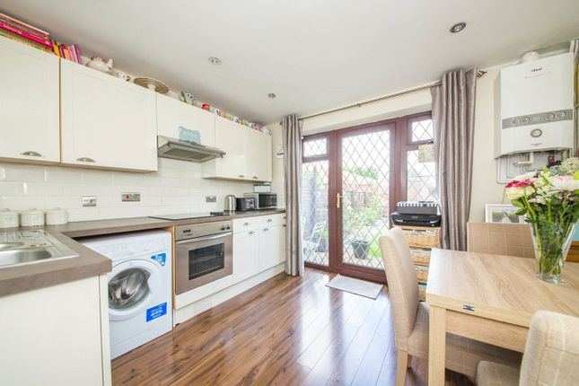 Thumbnail Terraced house for sale in Hanway, Rainham, Kent