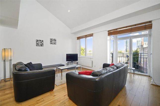 3 bed terraced house to rent in Three Colt Street, London E14
