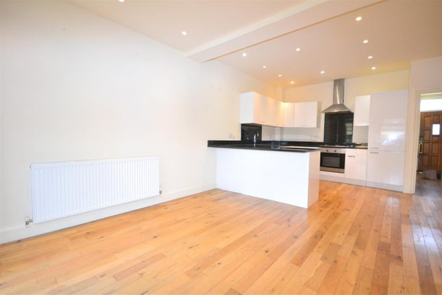 4 bed end terrace house to rent in Florence Road, London