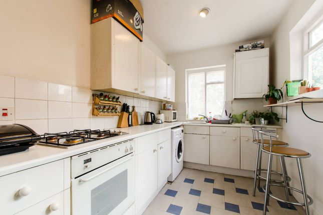 Thumbnail Flat to rent in Old Kent Road, South Bermondsey