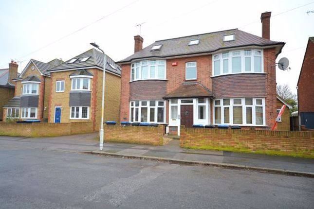 Thumbnail Flat to rent in Swinburne Avenue, Broadstairs