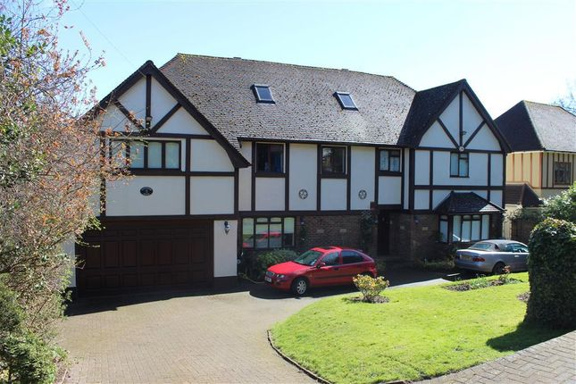 Thumbnail Detached house to rent in Kingswood Way, Selsdon, South Croydon