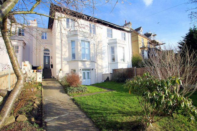 Thumbnail Terraced house for sale in Windmill Street, Gravesend