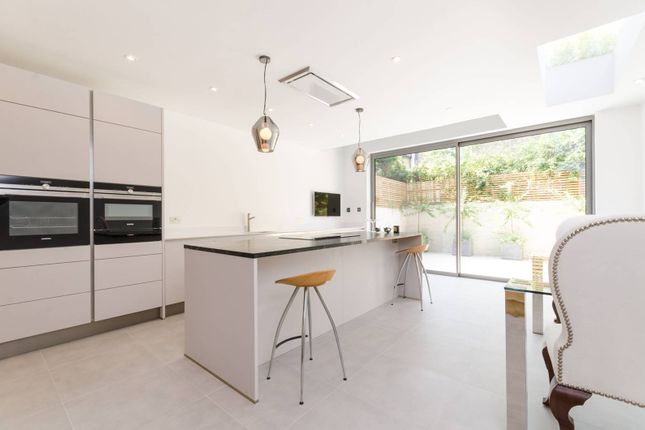 Thumbnail Property to rent in Hartismere Road, Fulham Broadway