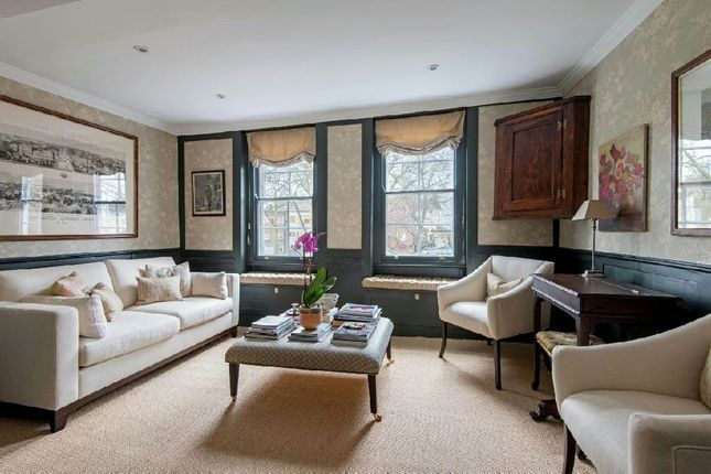 Thumbnail Cottage for sale in Pond Square, Highgate Village