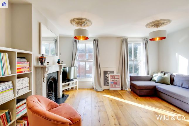 Flat for sale in Clifden Road, London