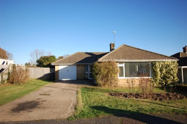 Thumbnail Bungalow for sale in Keld Drive, Uckfield, East Sussex