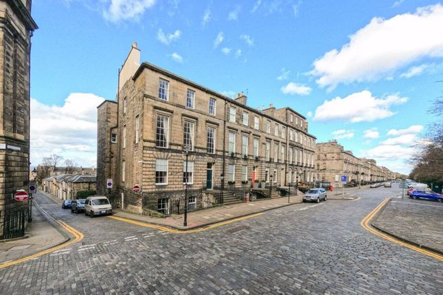 Thumbnail Flat to rent in Heriot Row, New Town