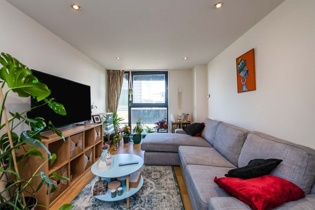 1 bed flat for sale in 100 Kingsway, North Finchley N12