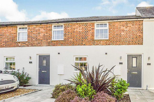 2 bed flat for sale in Wharf Lane, Old Stratford, Milton Keynes MK19