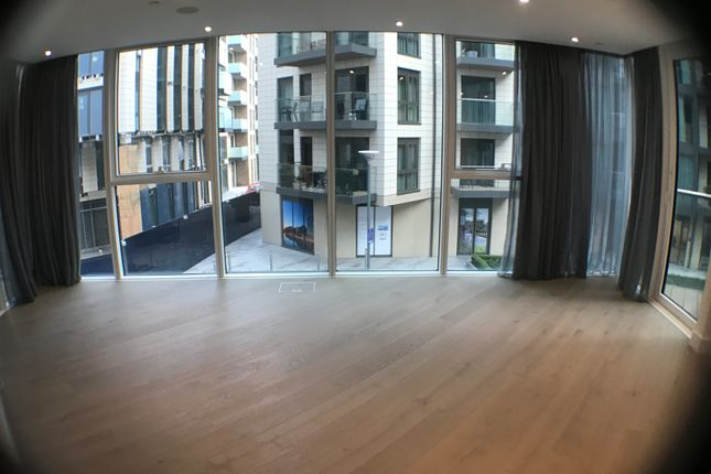 Thumbnail Flat for sale in Battersea Reach, Pinnacle, Wandsworth, London