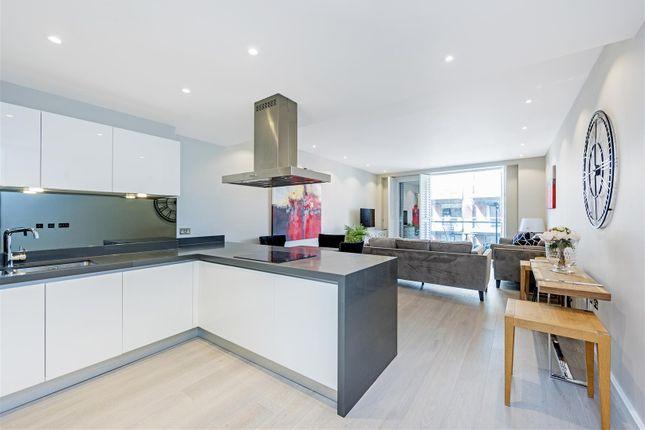 Thumbnail Flat to rent in Cubitt Building, Grosvenor Waterside, Gatliff Road, Chelsea, London