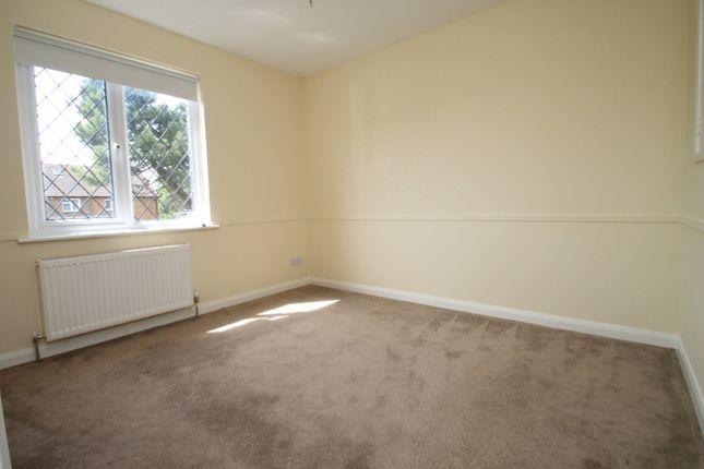 Bedroom 1 of Lanyards, Littlehampton BN17