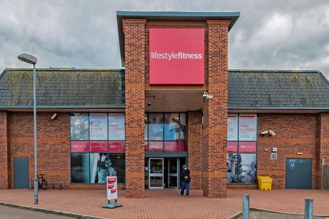 Thumbnail Leisure/hospitality for sale in Dewsbury Road, Wakefield