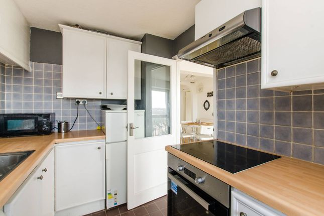 Thumbnail Flat to rent in Blackbush Close, Sutton