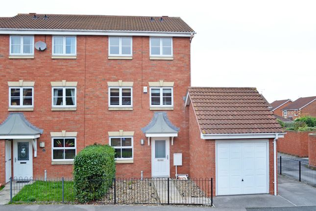 Thumbnail Property to rent in Cobham Way, York