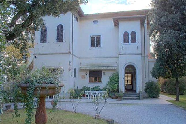 Thumbnail Villa for sale in Marina di Pietrasanta, Tuscany, Italy