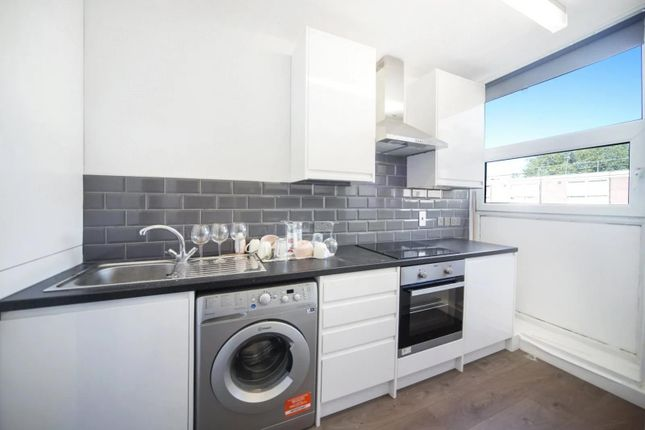 Thumbnail Flat to rent in Bridgeway Street, London