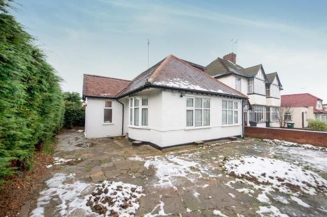 Thumbnail Bungalow for sale in Ryhope Road, Southgate, London, .
