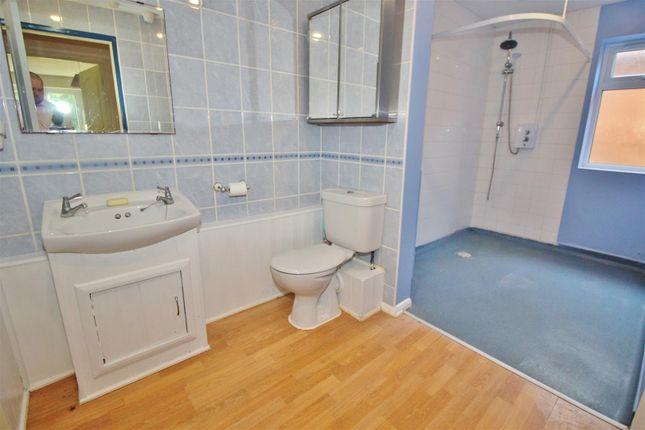 Wet Room of Highland Drive, Oakley, Basingstoke RG23