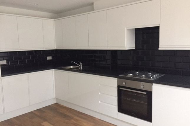 Thumbnail Terraced house to rent in Linksway, London