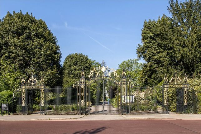 Picture No. 19 of Chester Terrace, Regent's Park NW1